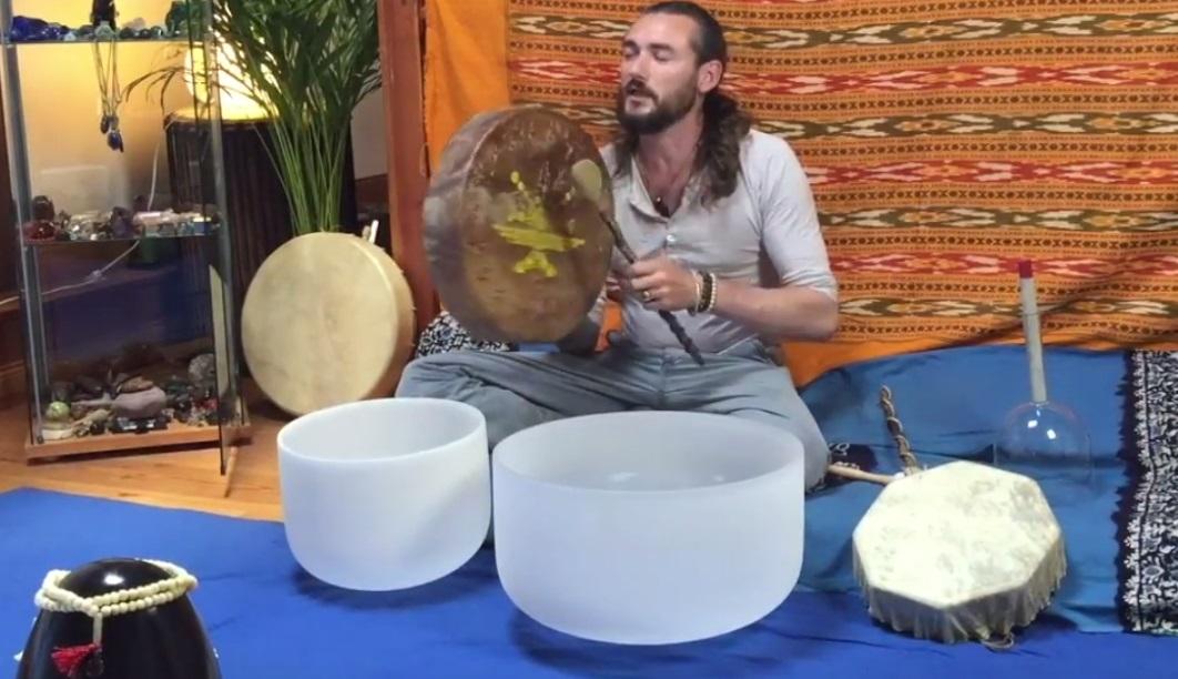 Lithothérapie, Musicothérapie… Se reconnecter à son essence cristalline